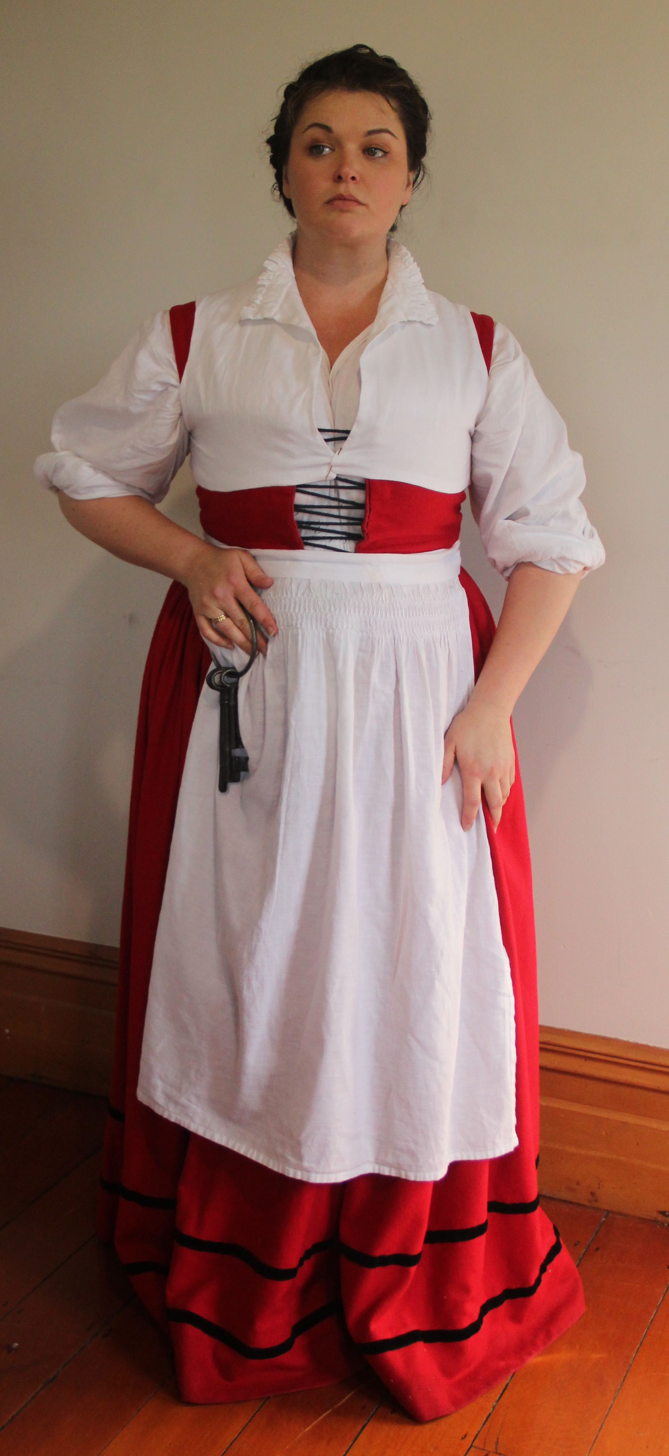 White tudor apron - 2008 Generic Tudor English Dress Middle Picture Has A Parlet With A Ruff Over The Dress